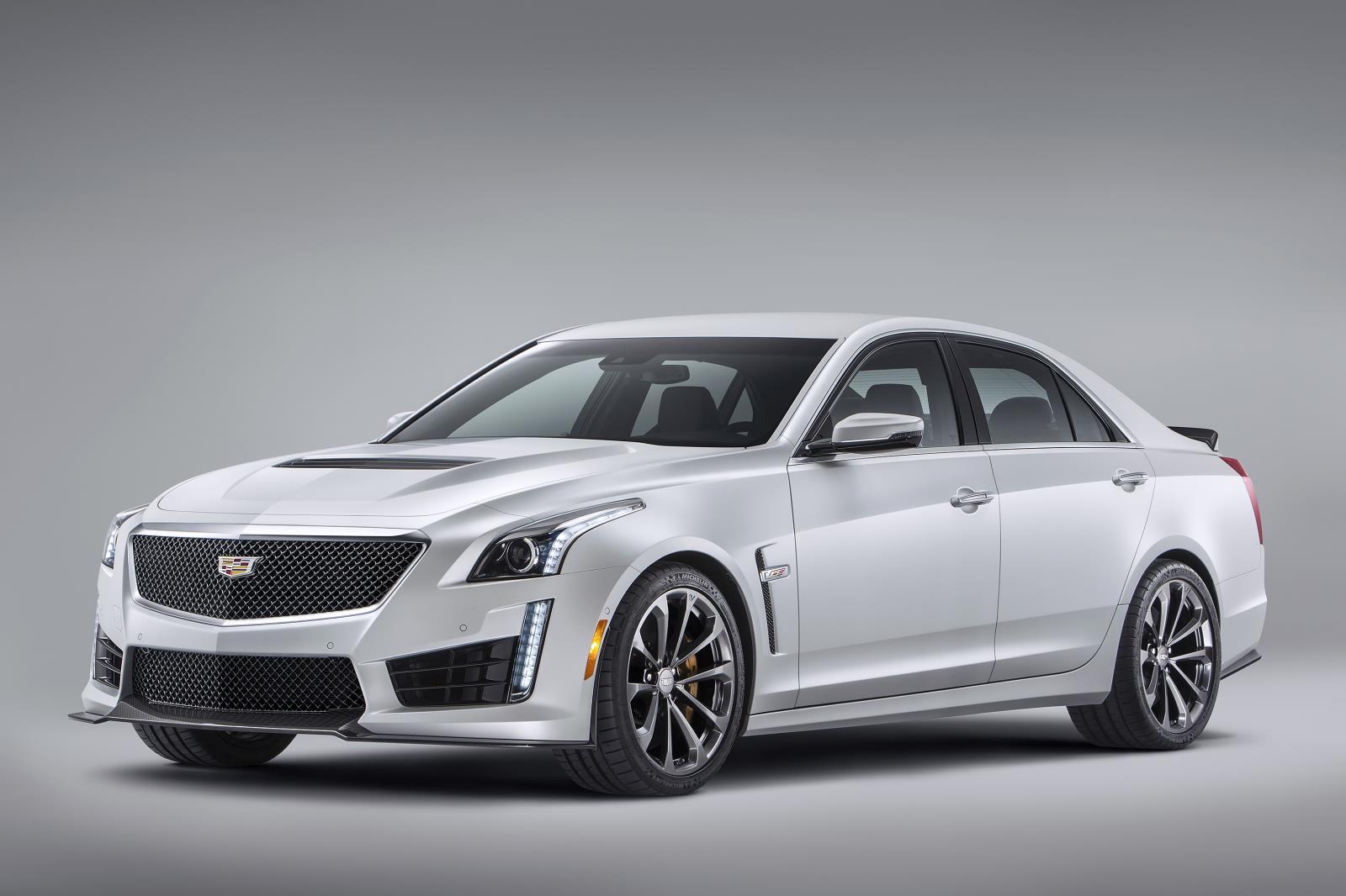 Cadillac Cts V Features Michelin Pilot Super Sport Tires