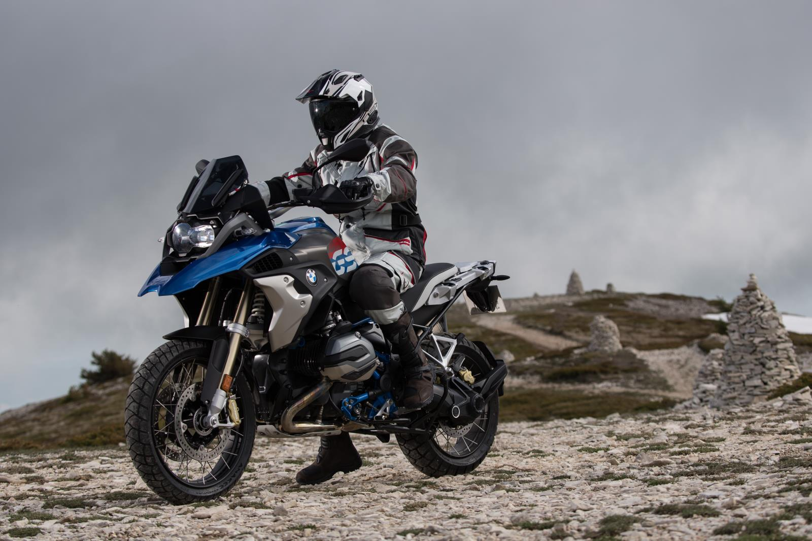 MICHELIN_Photo_ANAKEE_ADV_CHEMIN_BMW_R_1200_GS_2018_012__2_.jpg
