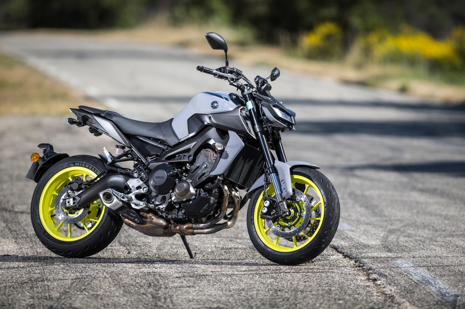 MICHELIN_Photo_Road5_Yamaha_MT09_015.jpg