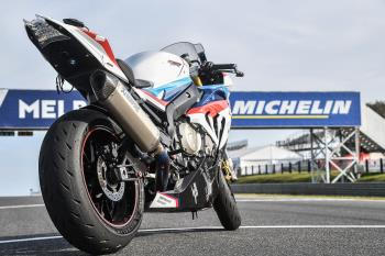 MICHELIN_Power_RS_BMW_S_1000_RR_Safety_Bike_LG5_8555.jpg