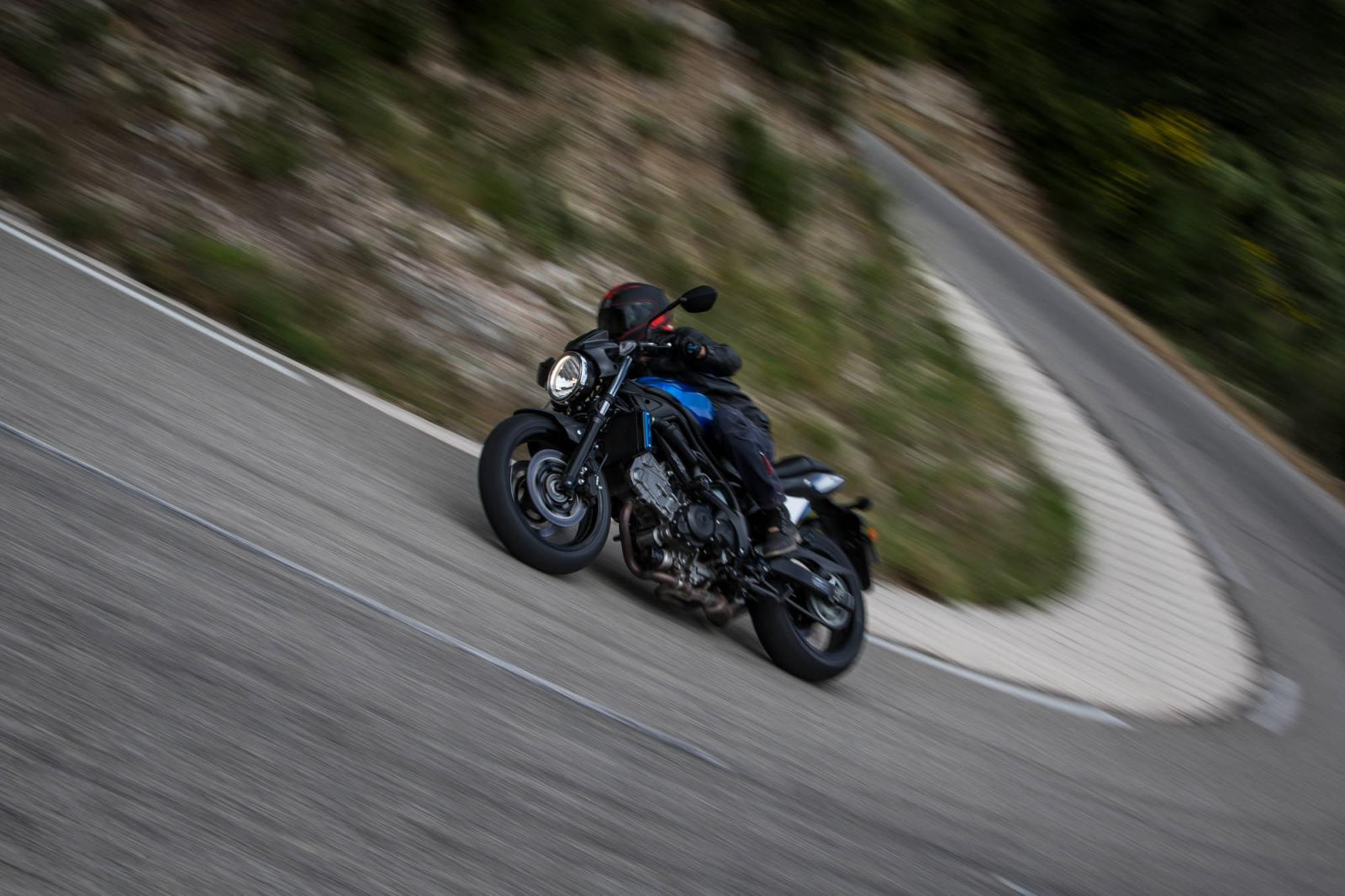 MICHELIN_Road_5_Suzuki_SV650_015.jpg