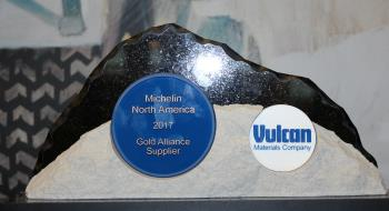 Vulcan_Gold_Alliance_Supplier_award_to_Michelin.jpg