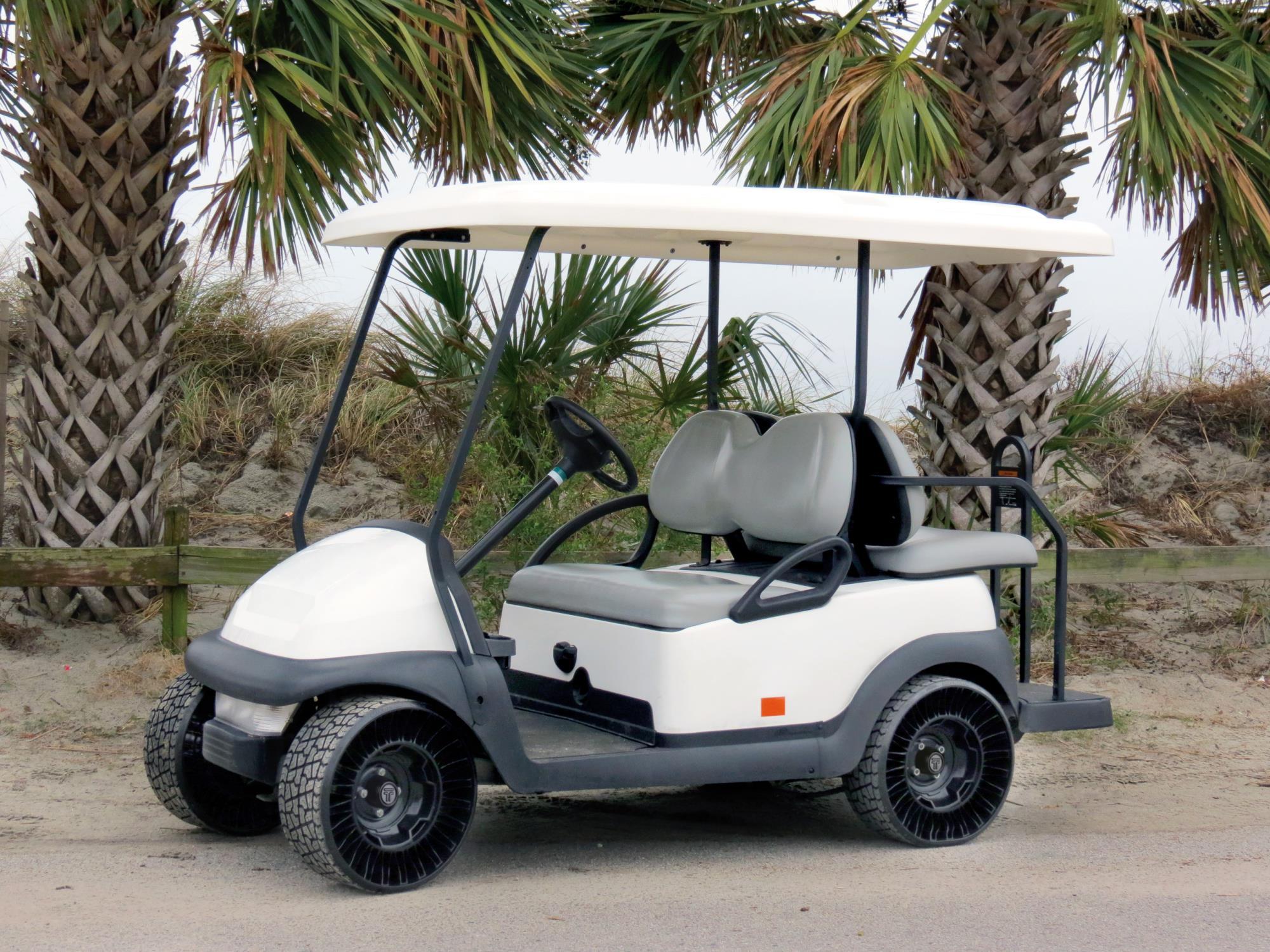 Le pneu Michelin Airless Radial pour voiturette de golf offre maintenant plus ...